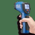 CEM DT-8833 инфракрасный пирометр термометр (вид из руки)