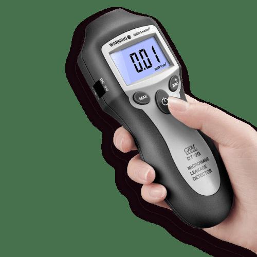 CEM DT-2G детектор СВЧ излучения (вид из руки)