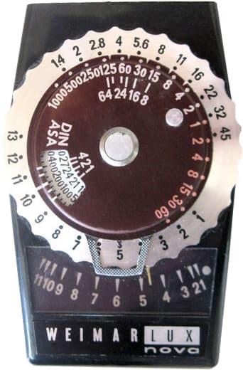 Старый люксметр (измеритель освещенности)